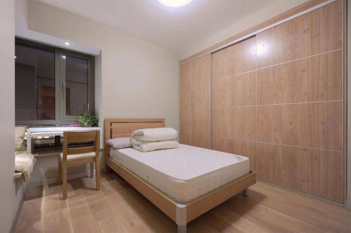 简单原木日式风二居室装修效果图