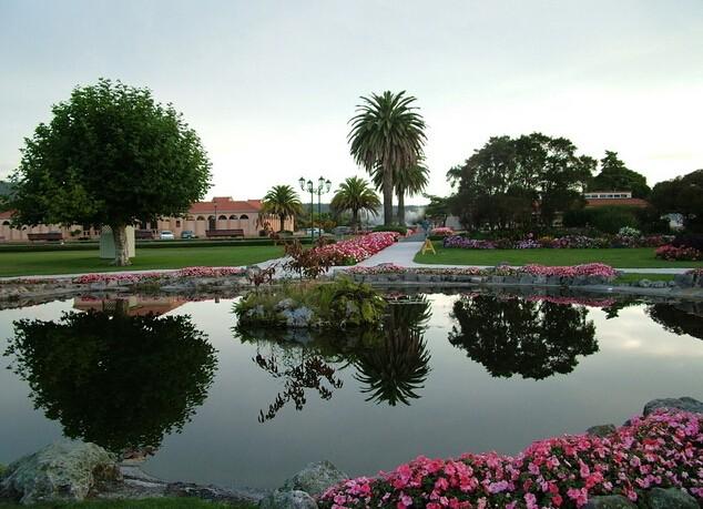 公园小池塘全景效果图