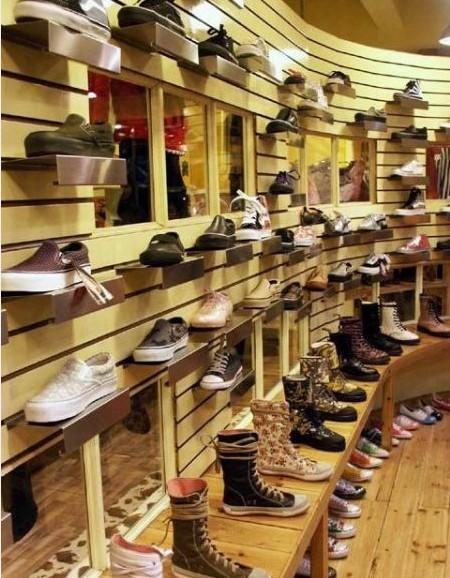 鞋店展示柜装修设计效果图