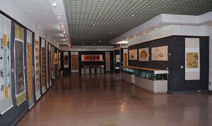 小型美院展厅装修设计效果图各大书画毕业设计包装设计图片