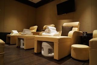 美容院按摩椅设计装饰效果图