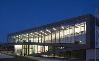 学校图书馆外观玻璃设计效果图