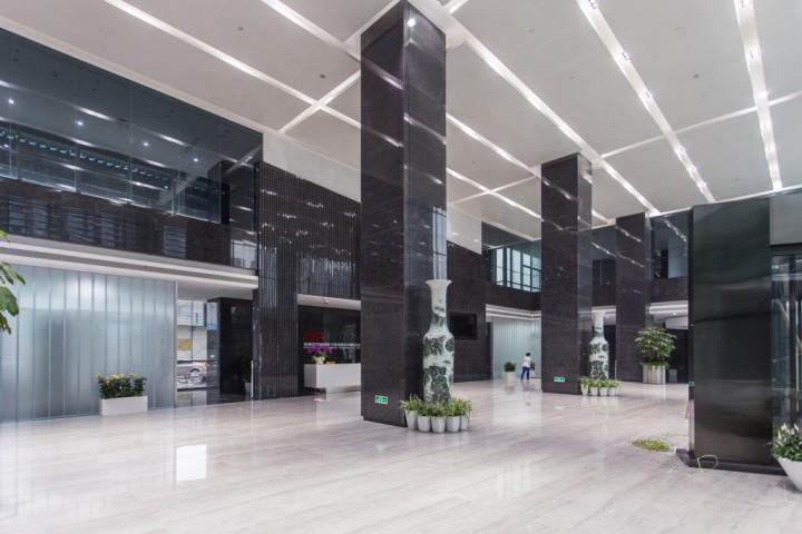 某公司大型办公室装修效果图