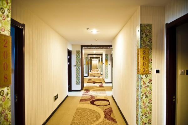 布拉格小镇主题酒店装修照片