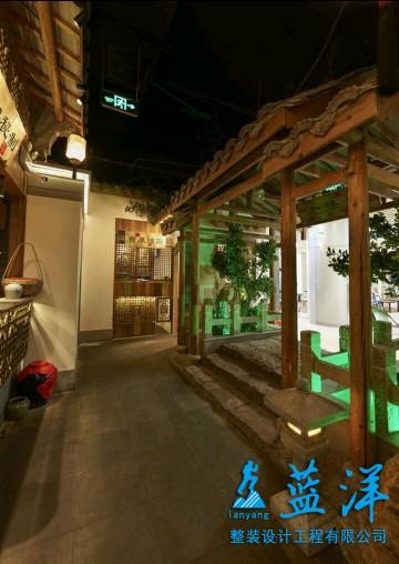 复古风味餐馆装修案例欣赏大门