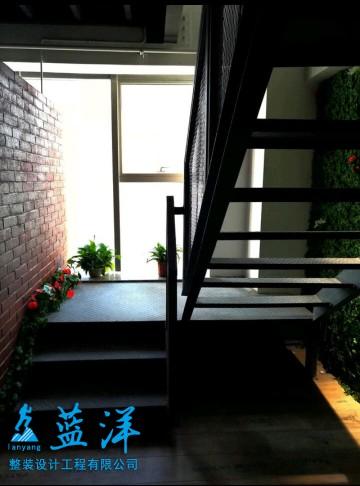 自然清新舒适办公室装修案例欣赏楼梯