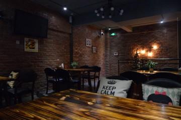 隆福花园Loft风格韩国啤酒屋装修效果图4