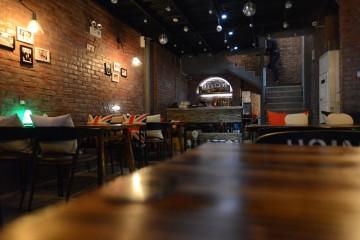 隆福花园Loft风格韩国啤酒屋装修效果图3