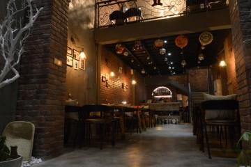 隆福花园Loft风格韩国啤酒屋装修效果图1
