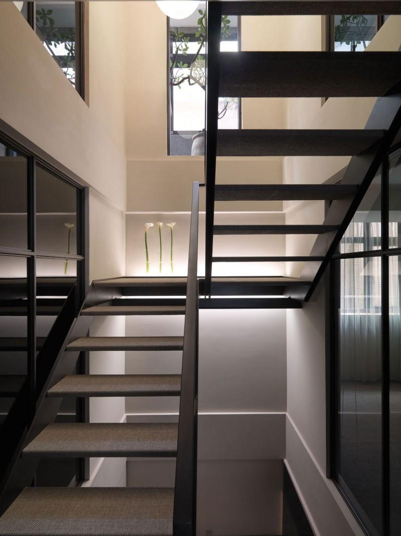 跃层户型楼梯