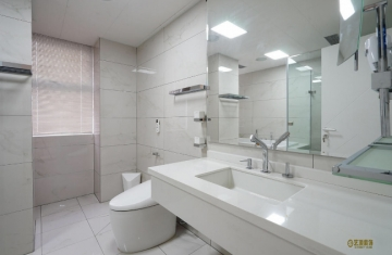 东旭御山湖155平三室现代简约风格装修效果图