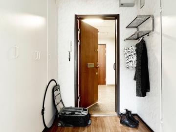 北欧风格进门玄关装修图